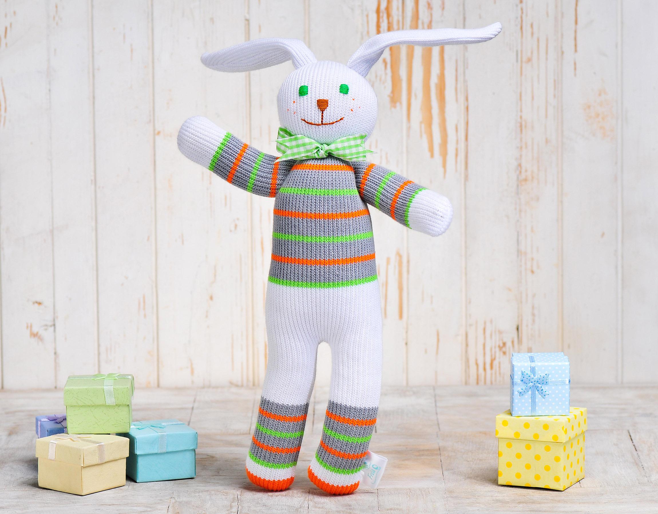 Игрушка вязанная заяц Сеня