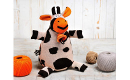 Игрушка вязанная коровка Карамелька Фрея